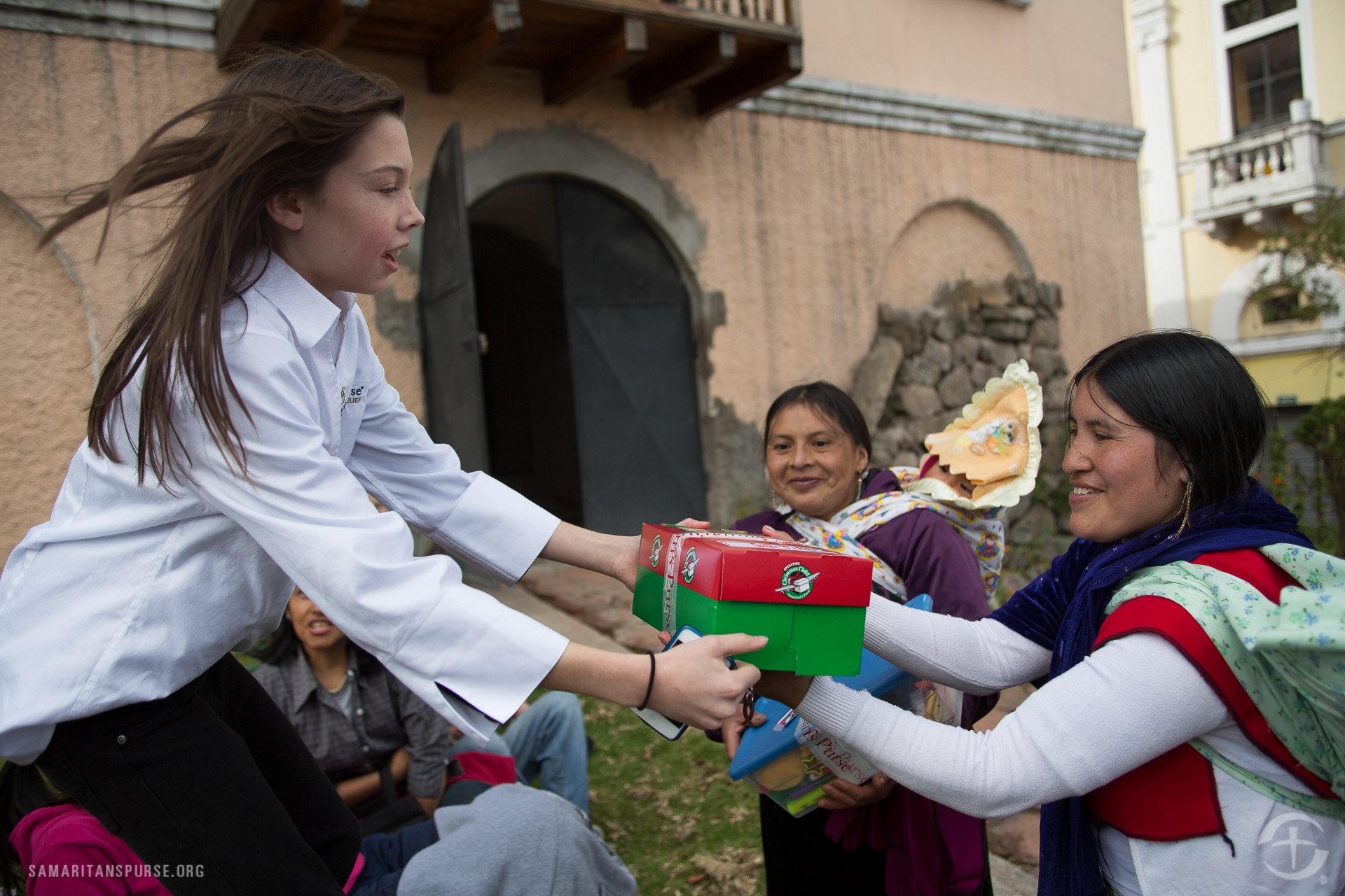 C.J. Graham gives gifts to mothers of young girls.