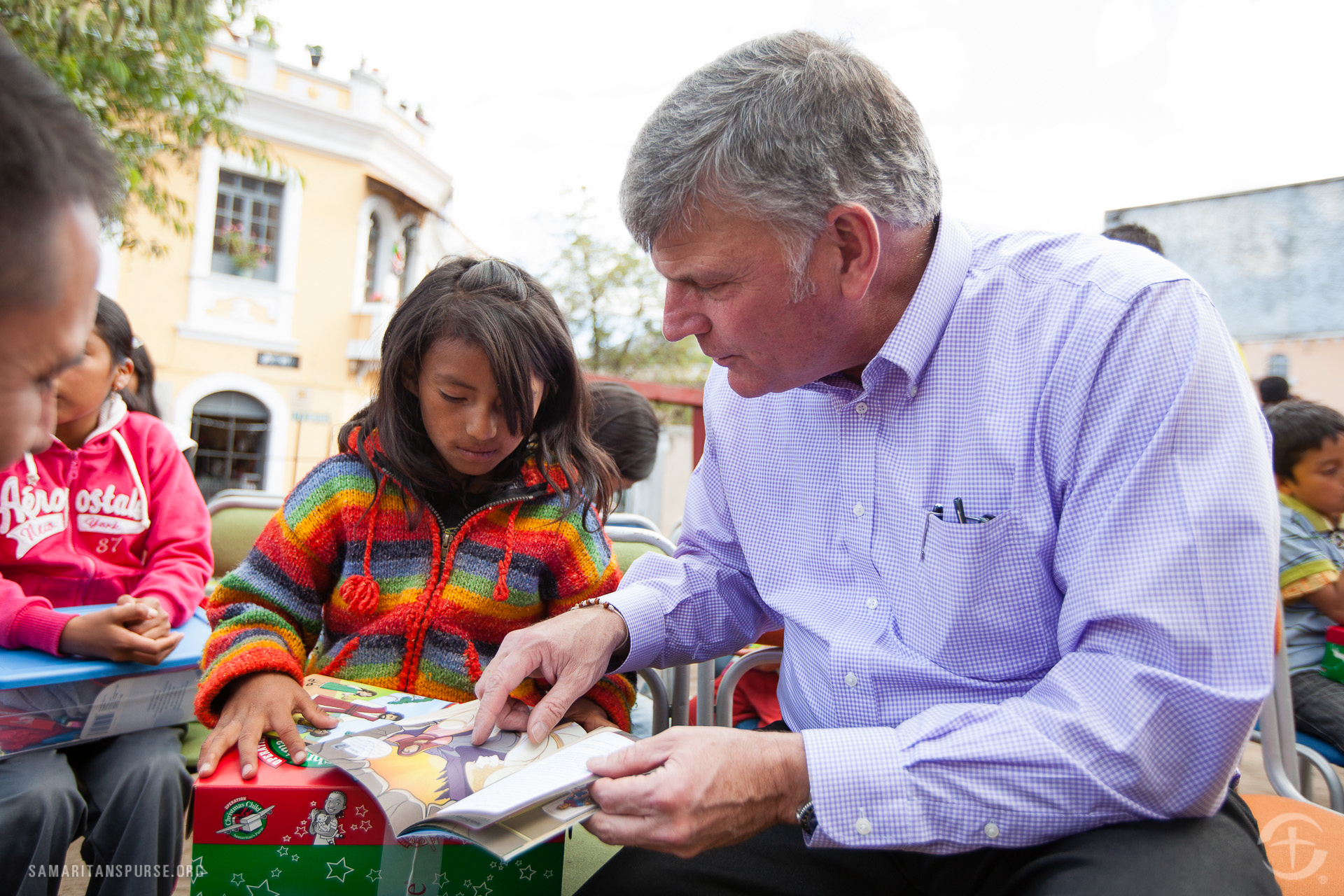 """Franklin Graham uses """"The Greatest Gift of All"""" to explain God's plan of redemption and salvation through faith in Christ."""