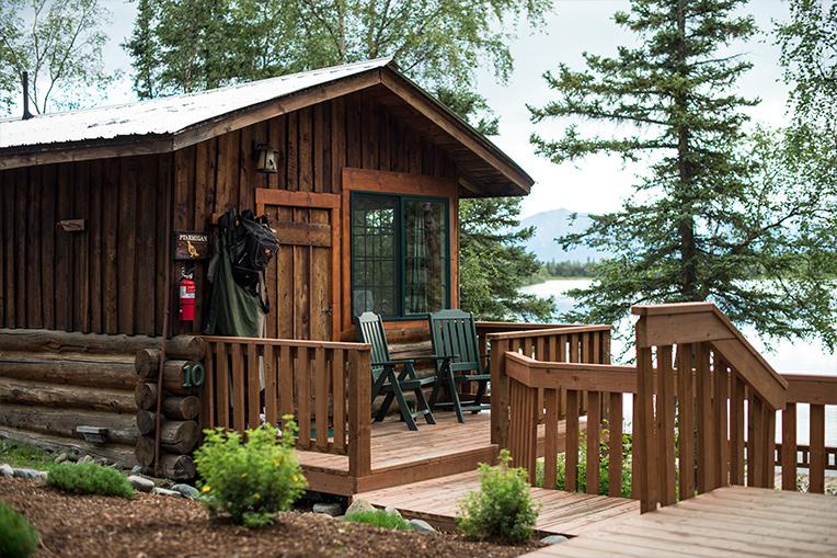 Cozy cabins named after Alaskan wildlife provide a relaxing space for couples to unwind. This cabin, Ptarmigan, gets its moniker from Alaska's state bird.