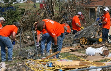 Texas-tornado-response-Smaritan's-Purse-volunteers