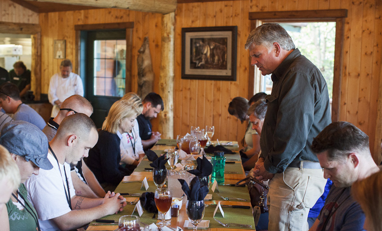 Franklin Graham asks God's blessings as the latest group of patriots and their spouses begin their time together at our wilderness retreat.