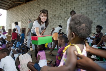 Sarah Palin handed out shoebox gifts to Haitian children in 2010.