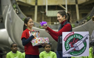 Diana Barbacena put a stuffed whale in her shoebox gift.