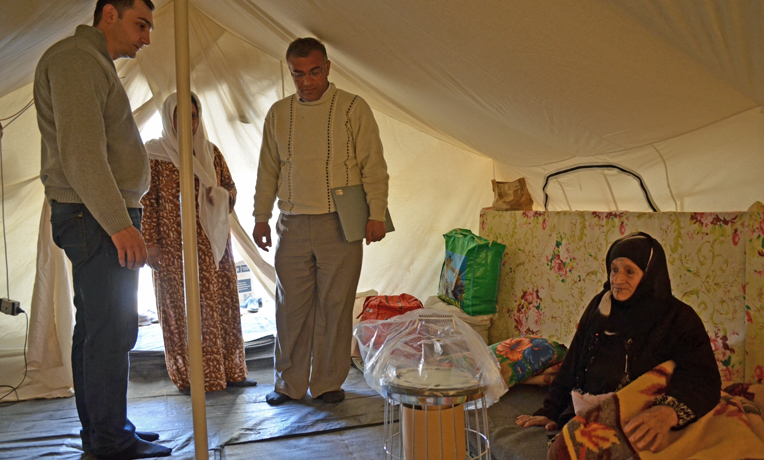 Northern-Iraq-refugee-camp-heater-cover