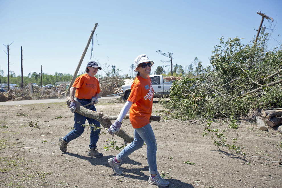1441US-A-331-Mississippi-tornado-relief-photo-gallery-1