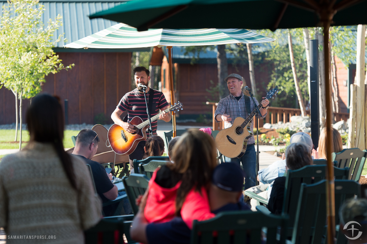 On Wednesdays, staff and guests join together for a BBQ feast. Jon Micah Sumrall and James Mead of the Christian band Kutless performed at the Week One BBQ and thanked patriot couples for their service. A portion of the band's merchandise sales is donated to Operation Heal Our Patriots.
