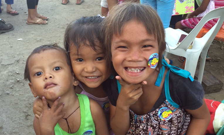 6-6-14-Operation-Christmas-Child-Philippines-blog-cover