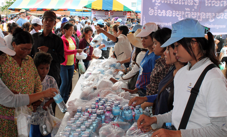 Cambodia-migrant-workers-Thailand-emergency-response-cover