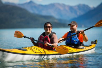 Tanya and Juan had to communicate and get in sync to operate their kayak. The lesson will help them in their relationship.