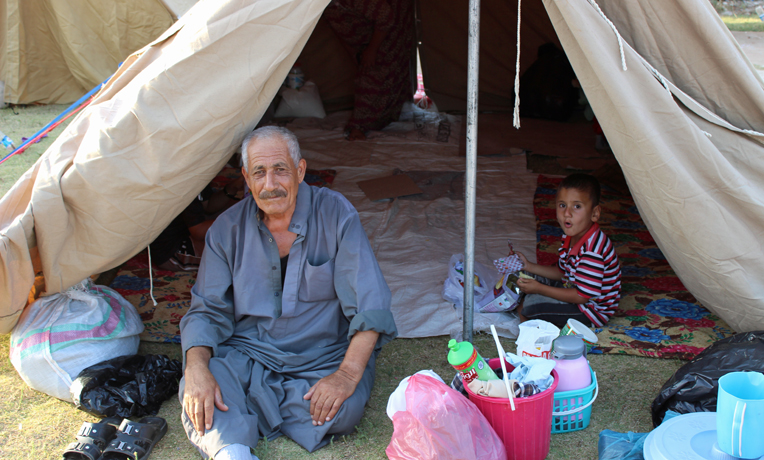 Samaritan's Purse is providing tents for families fleeing from Islamic militants.