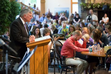 Franklin Graham prayed before Dr. Brantly spoke,