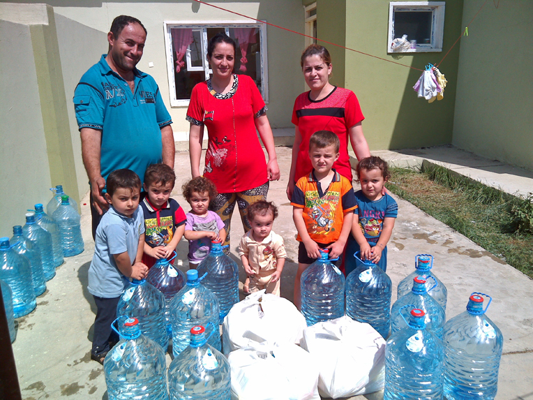 Samaritan's Purse is providing food and water to families throughout Erbil.