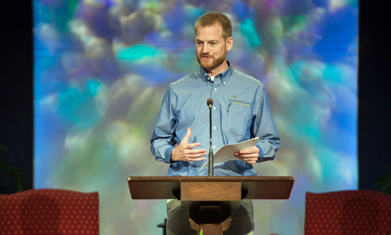 Kent-Brantly-speaks-at-conference_1a