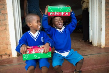 Shoebox christmas gifts for kids in africa