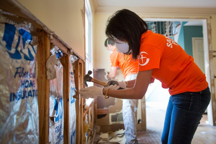 Governor Nikki Haley hard at work in the home of Henry and Kay Gaddis.