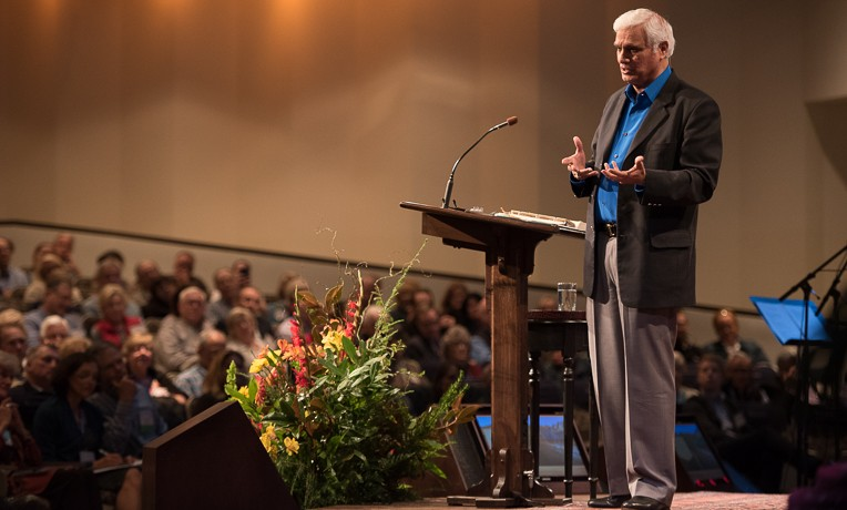 """Keynote speaker Ravi Zacharias encouraged doctors to """"reflect the beauty and love of Christ"""" as they minister to patients in overseas mission hospitals."""