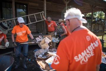 Samaritan's Purse volunteers are working hard in Texas. More volunteers are needed.