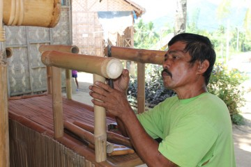 Hard at work in the Philippines, bamboo project, livelihoods, Samaritan's Purse