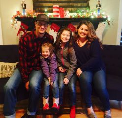 Charlie and Mandi Linville with their daughters, Dyllan and Taylor.