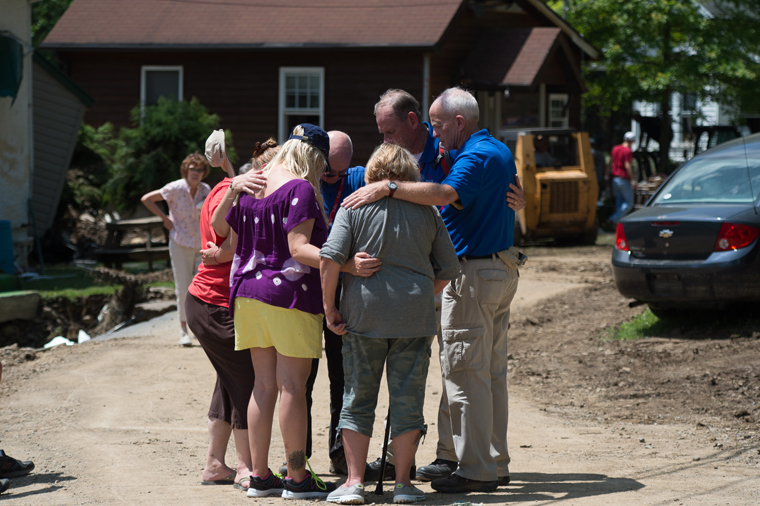 Billy Graham Rapid Response Team chaplains are praying with distressed homeowners in West Virginia.