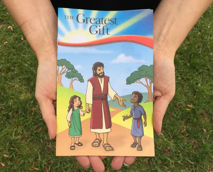 Operation Christmas Child Shoebox Stories: Elena and a Gospel Booklet