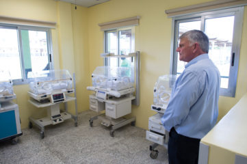 Franklin Graham at ELWA Hospital Liberia, infant care facility