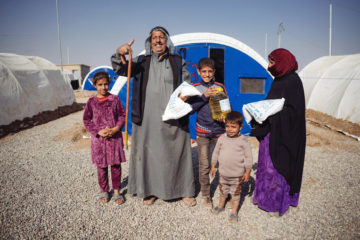 food distribution Khazer camp, northern Iraq