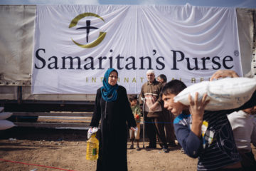 Samaritan's Purse is distributing food in camps around northern Iraq.