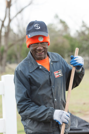 1722US-G: homeowner and volunteer Lester Johnson salvation story in Albany GA