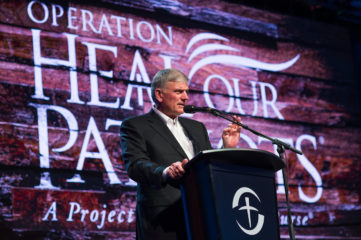 Franklin Graham presented the Gospel to military couples at the reunion on Friday night.