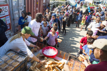 Food distribution for refugees in Greece