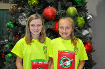 Sisters Anna (left) and Tracy Musselwhite founded Operation LemonAid to raise funds to shoebox gifts around the world through Operation Christmas Child.