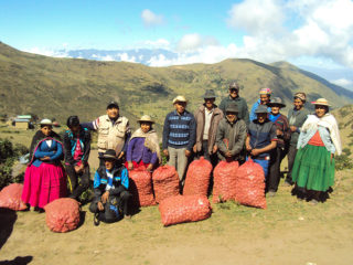 As part of a Samaritan's Purse agricultural project in Bolivia, potato farmers are sharing the Gospel with each other using the Parable of the Talents in Matthew 25:14-30.