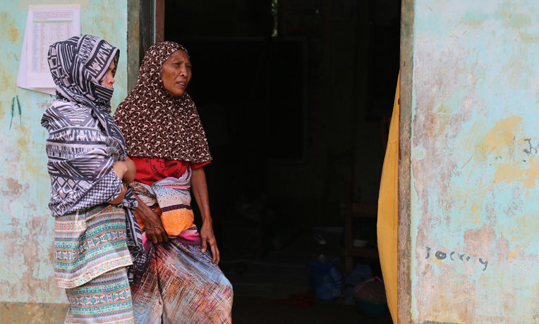 More than 400,000 people have been displaced in the Marawi conflict and are living in overcrowded evacuation centers. Among the most vulnerable are women and children.