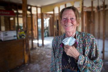 Teresa is working with Samaritan's Purse volunteers on her friend's home.