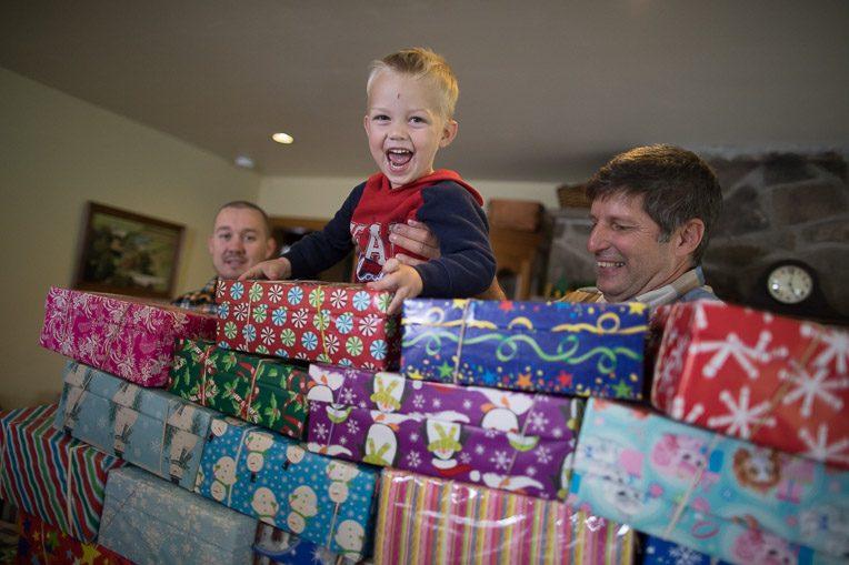 Ira Miller, Operation Christmas Child, shoebox gift, basket-weaving, shoebox, pack a shoebox