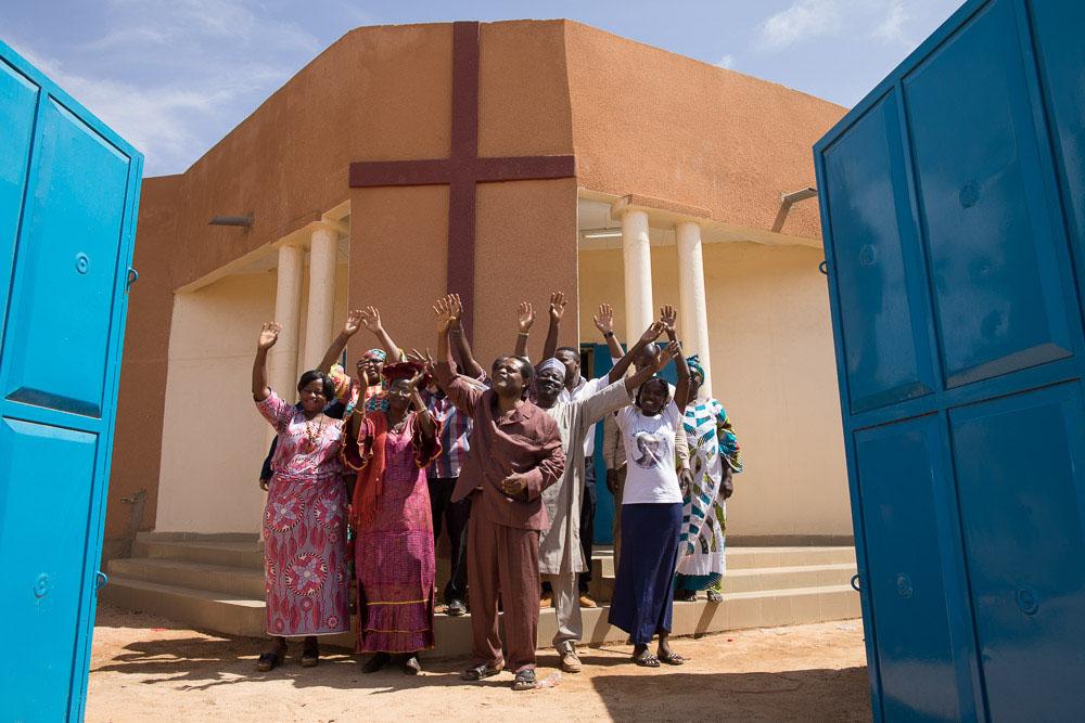 Rebuilding churches in Niger after Muslim riots