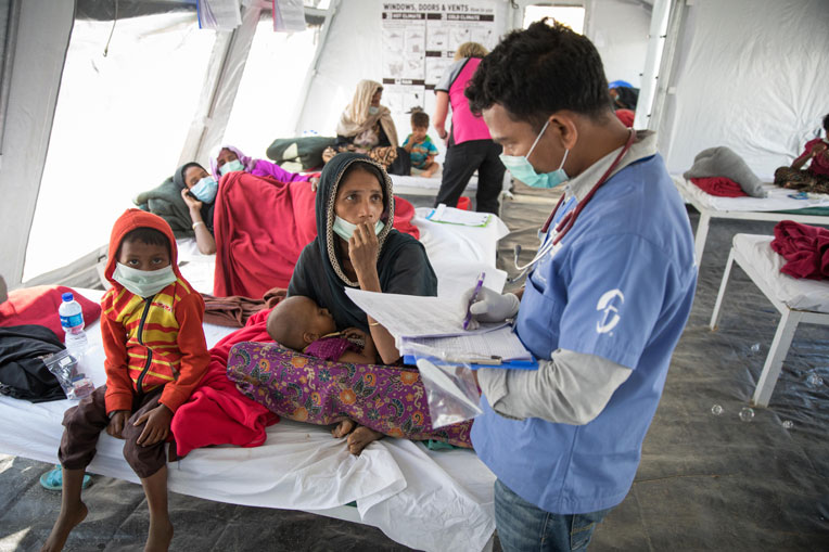 More than 800,000 displaced Rohingya people crammed into Kutupalong refugee camp in Bangladesh. Samaritan's Purse set up a diphtheria treatment center in the camp to provide lifesaving treatment.