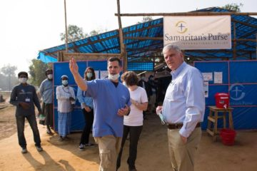Dr. Andy Doyle, Samaritan's Purse emergency medical response specialist, speaks with Franklin Graham at our Diphtheria Treatment Center.