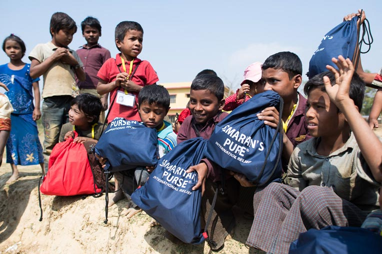 Thousands of Rohingya children are receiving gift bags from Samaritan's Purse.