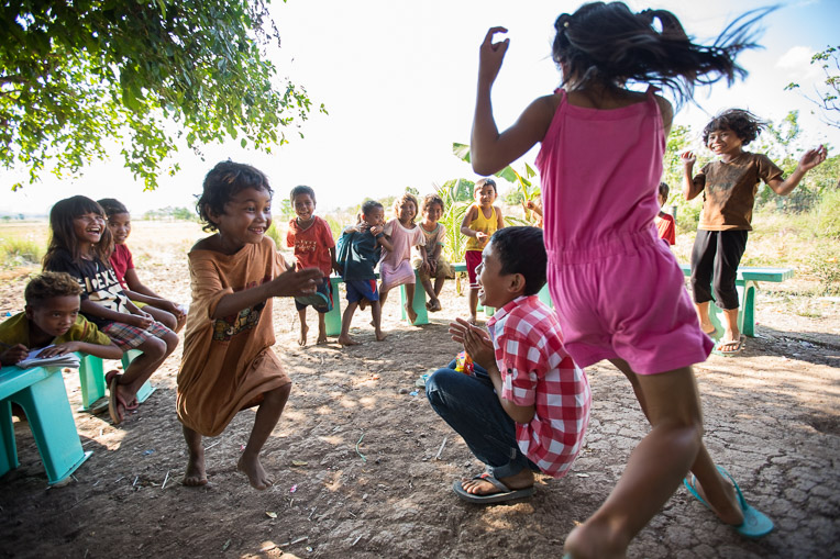 Children playing in the Philippines