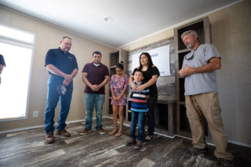 Our team dedicates a new mobile home to Christina Rodriguez, Jose Reyes, and their two children.