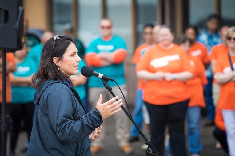 U.S. Congresswoman Tulsi Gabbard Samaritan's Purse volunteers Kauai.
