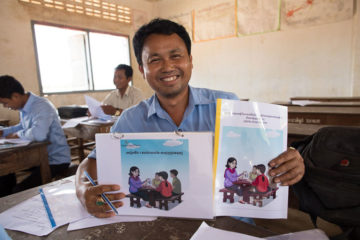 Training teachers in safe migration in Cambodia