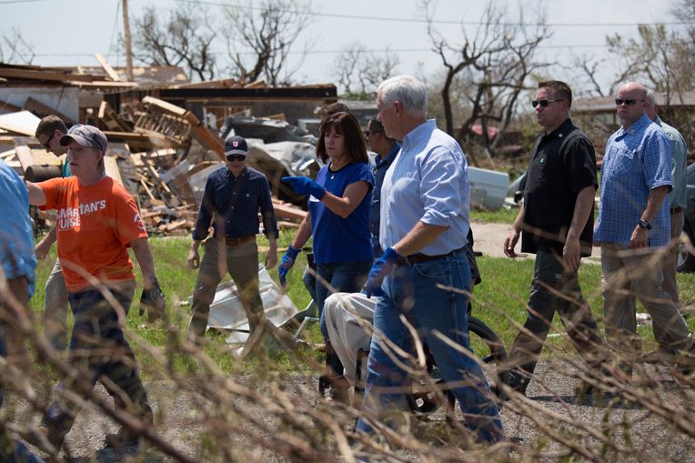 Vice President Mike Pence visited Texas homeowners and spent a day working alongside Samaritan's Purse volunteers.