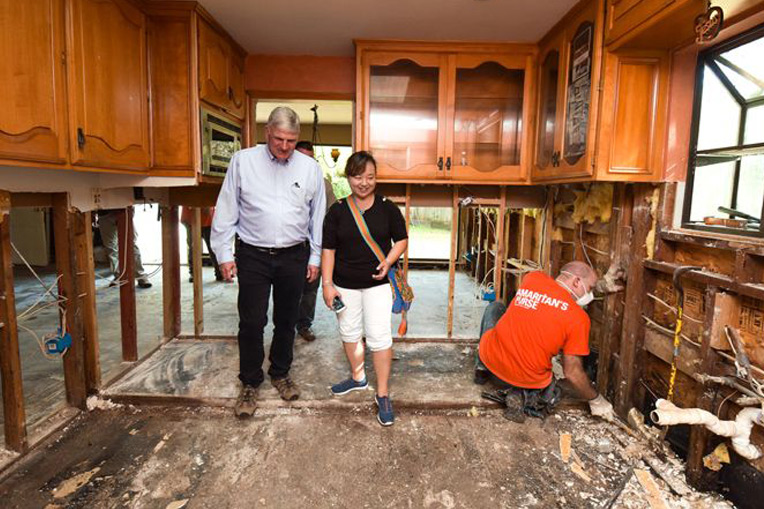 Franklin Graham visits the home of Houston homeowner Sue Ahn. Hers was among the first homes helped as we started rebuild efforts in Texas.