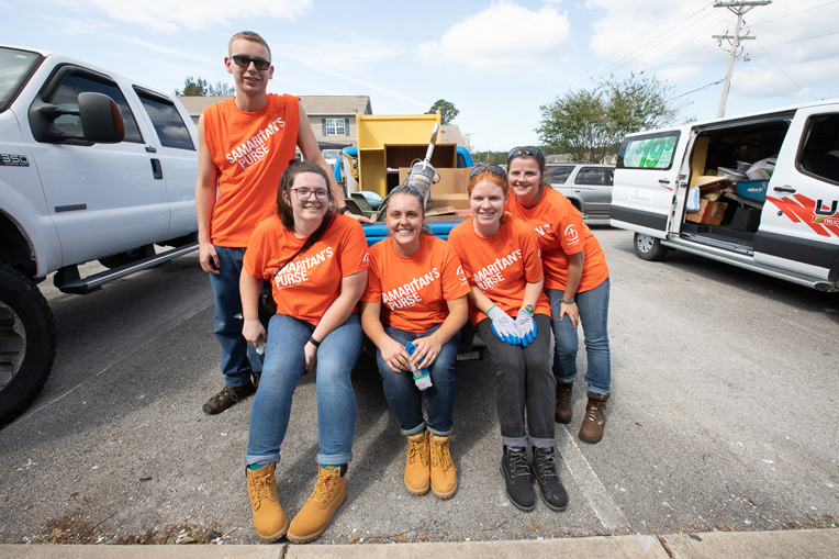 Liberty University students joined our volunteer teams to help Jacksonville homeowners clean up after Hurricane Florence passed through.