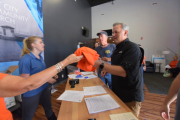 North Carolina Lt. Governor Dan Forest donned a U.S. Disaster Relief orange shirt and joined our volunteer teams this week.