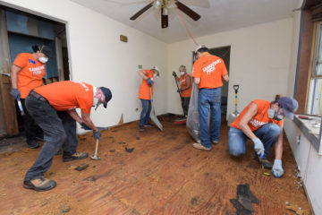 Samaritan's Purse volunteers were hard at work in New Bern today.