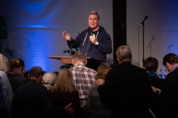 Jim Cymbala challenged the audience to lead a life of faith and obedience to God.